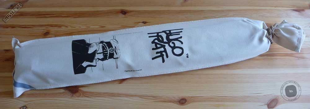 Toile sérigraphiée déco BD Corto Maltese 'Marin gris' de Hugo Pratt - Illustrose