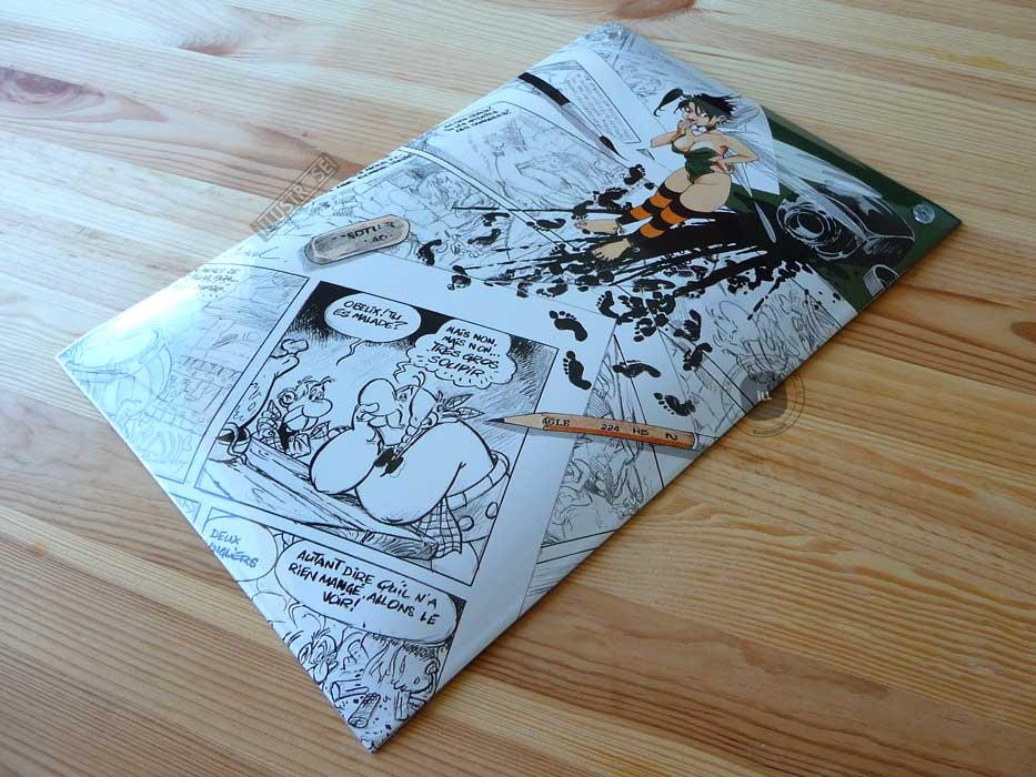 Plaque émaillées para BD Coustoon déco 'Peter Pan - Clochette hommage à Uderzo' de Régis Loisel - Illustrose